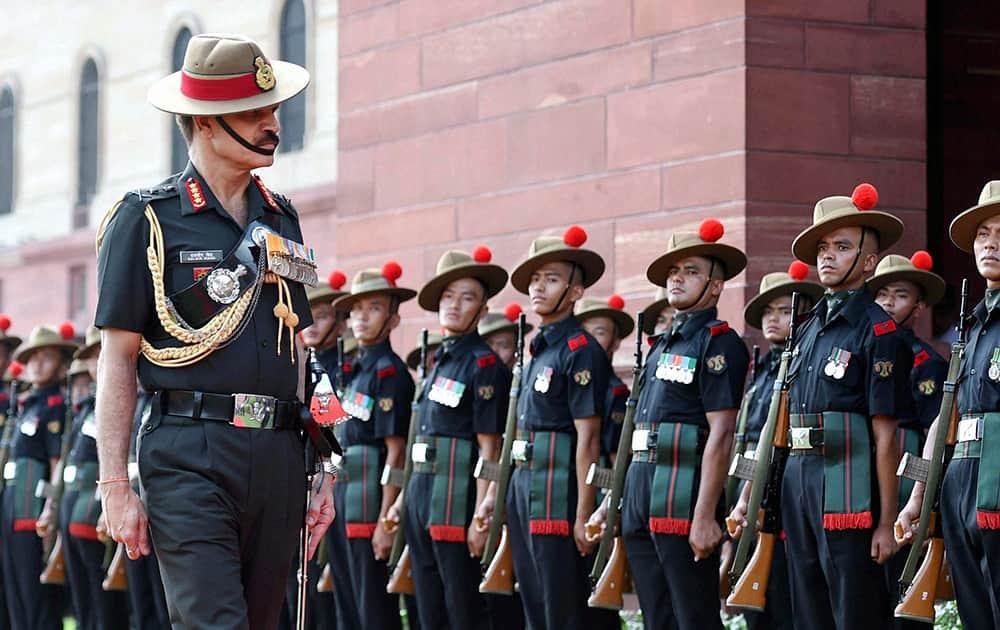 New Army Chief General Dalbir Singh Suhag inspecting guard of honour at South Block in New Delhi.