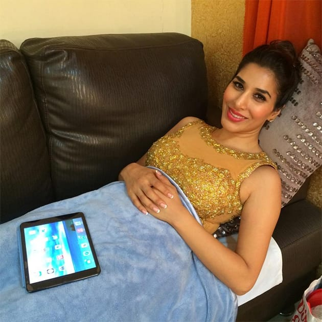 Pic Courtesy: Twitter@Sophie_Choudry