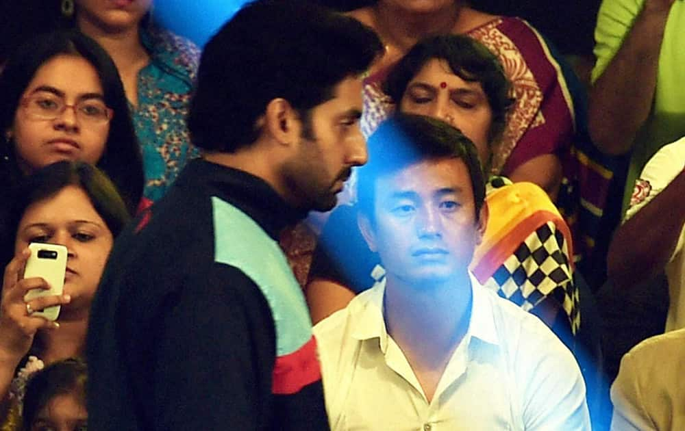 Bollywood actor and Jaipur Pink Panthers owner Abhisekh Bachchan and Former Soccer Star Baichung Bhutia during Pro Kabadi league match in Kolkata.