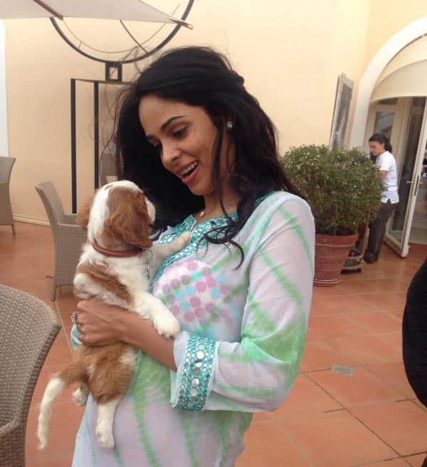Mallika Sherawat - Love my  puppy:) Pic Courtesy: twitter