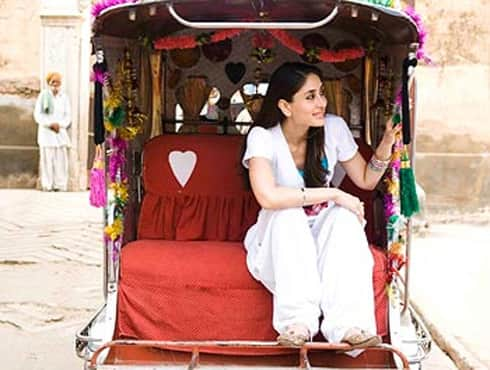 The Indian audience not only liked the 'extra chirpy and lively' Kareena Kapoor in the movie 'Jab We Met', but even madly followed her much appreciated indo-western look in the movie. The 'Patiala and long T-shirt' combo was so popular that it soon became a must have for young girls, given the fact that it is comfortable yet stylish.-by Harpreet Kaur - Spice Team