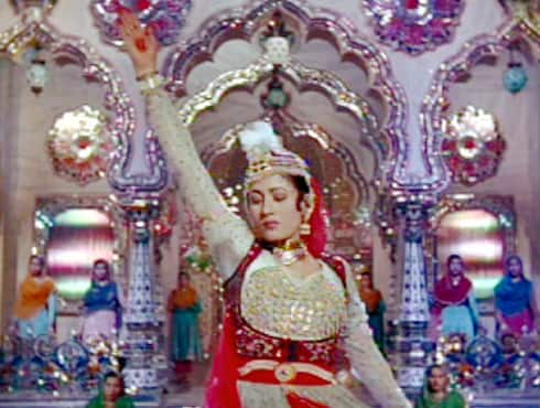 Anarkali suits are still favoured by many; and the list includes top Bollywood actresses like Aishwarya Rai, Katrina Kaif, Rani Mukherjee and so on. The birth of this trend dates back to 1960, when the beautiful Madhubala, who played the character of Anarkali in 'Mughal -E- Azam', donned the suits. It is from there this apparel got its name 'Anarkali'. - Spice Team