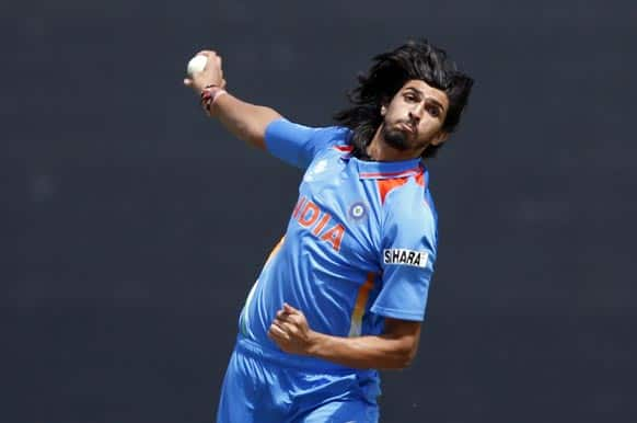 Ishant Sharma bowls to Sri Lanka's Mahela Jayawardane during the ICC Champions Trophy warm-up cricket match at Edgbaston cricket ground in Birmingham.