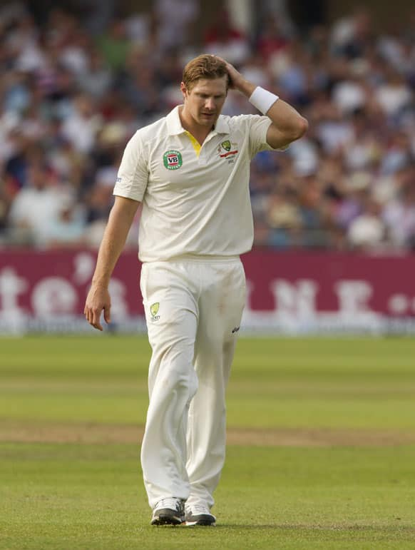 Australia's Shane Watson prepares to bowl on the third day of the opening Ashes series cricket match against England at Trent Bridge cricket ground, Nottingham.