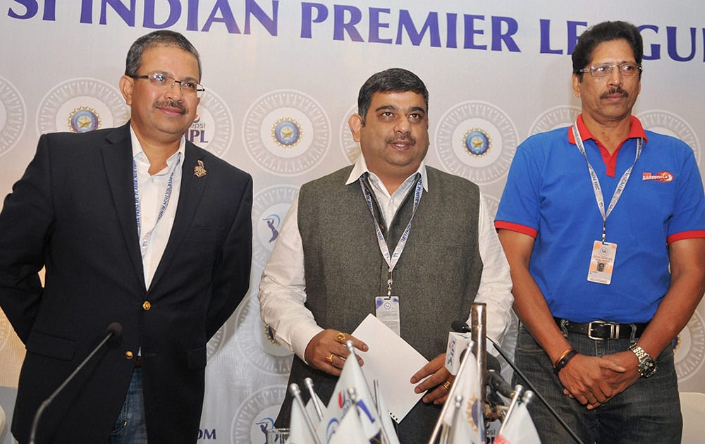 IPL Chairman R Biswaal along with Delhi Daredevils' T S Sekhar and Kolkata Knight Riders MD and CEO, Venky Mysore at a press conference during the IPL Auction 2014 in Bengaluru.