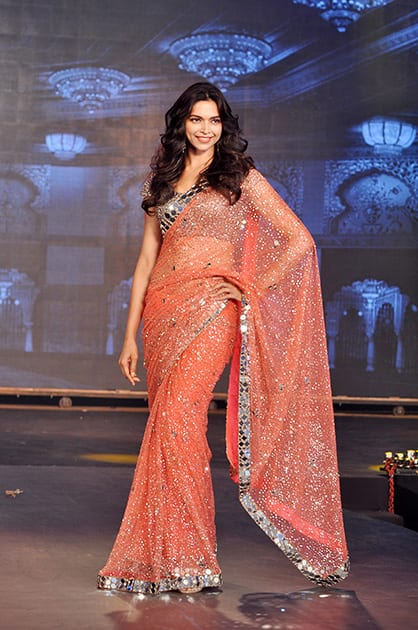 DEEPIKA PADUKONE AT HNY TRAILER LAUNCH IN MUMBAI.