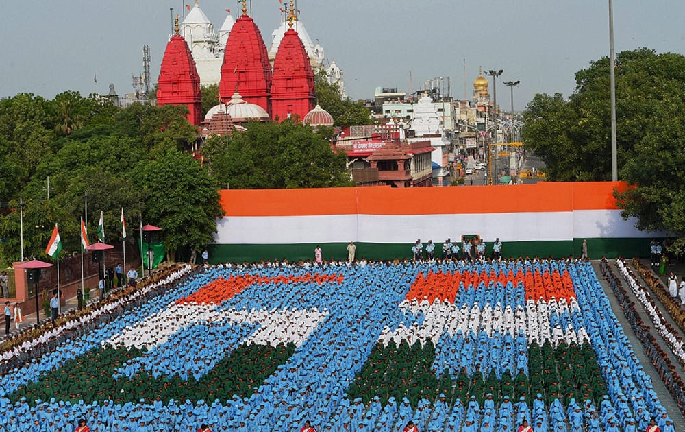 Children during the full dress rehearsal of Independence Day at Red Fort in New Delhi.