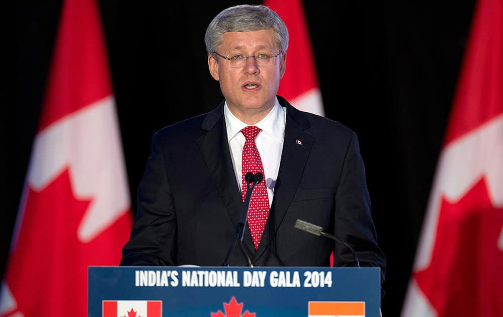 Prime Minister Stephen Harper speaks at the India National Day Gala in Brampton, Ontario.