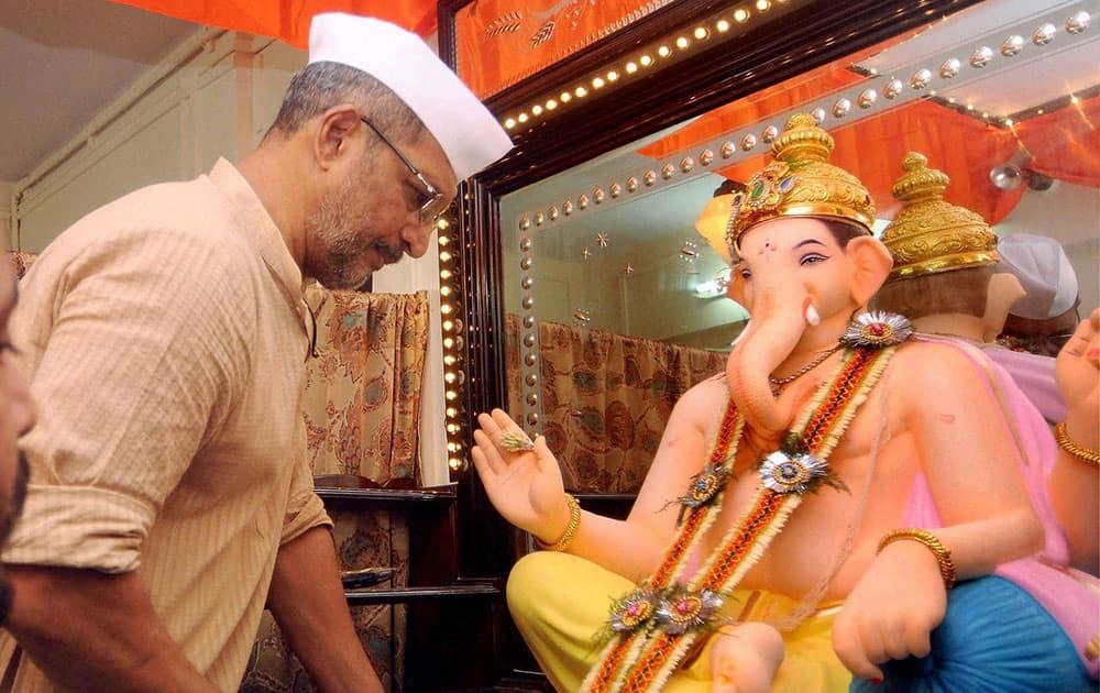 Bollywood actor Nana Patekar celebrating Ganesh Chaturthi at his residence in Mumbai.