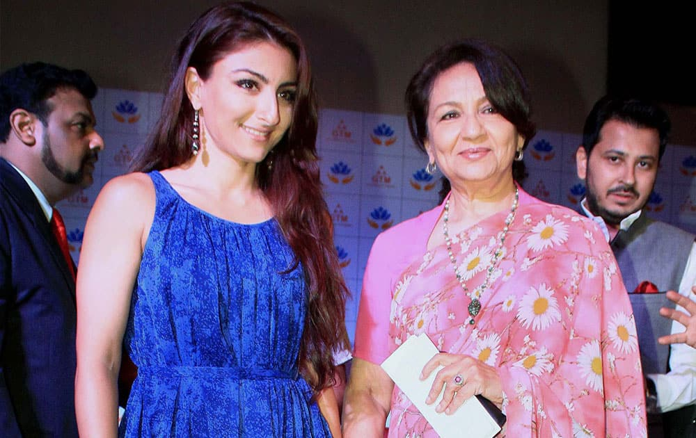 Sharmila Tagore with her daughter Soha Ali Khan at the inauguration of a mall in Jaipur.