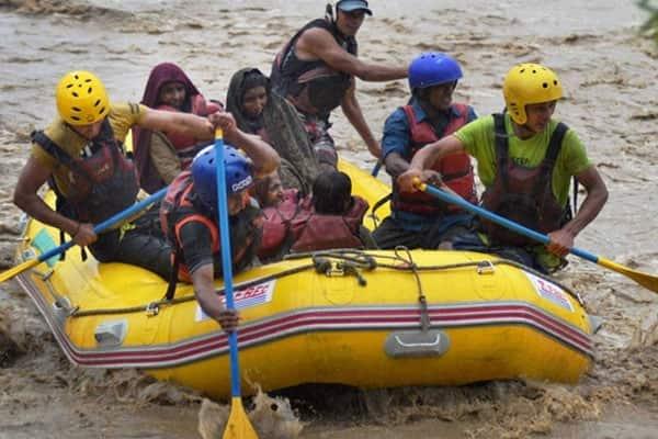 Floods, landslides wreck havoc in Jammu & Kashmir, thousands flee home to safer areas