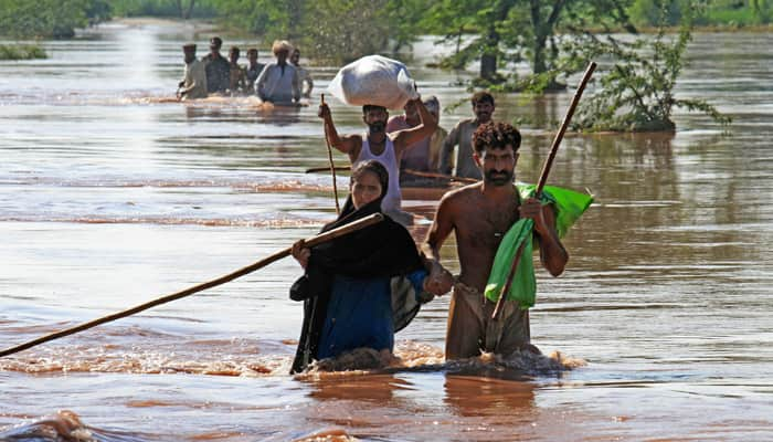Massive rescue operations on in flood-hit J&K; toll nears 200, lakhs stranded