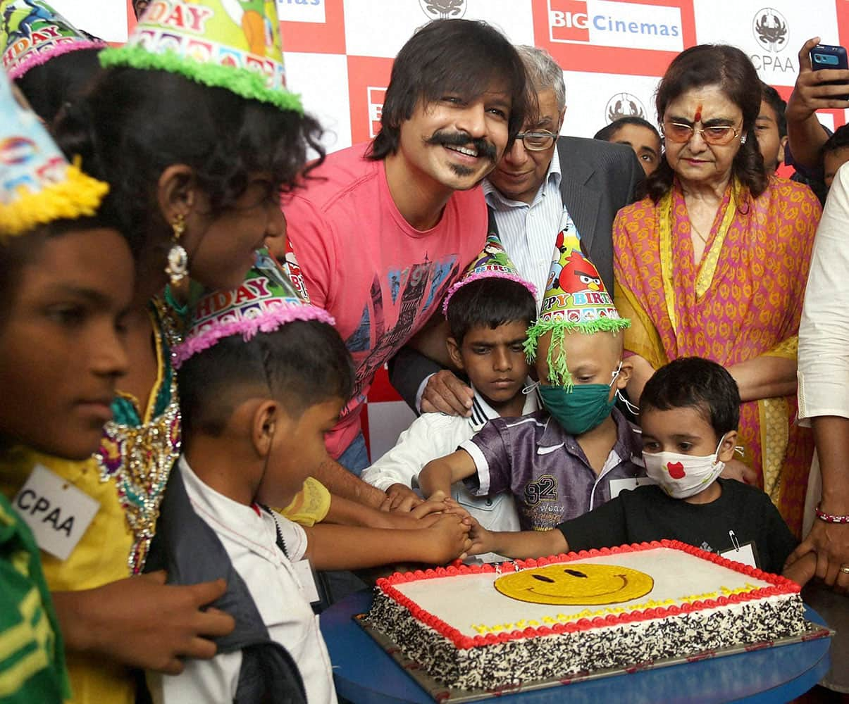 Bollywood actor and brand ambassador of Cancer Patients Aid Association [CPAA] Vivek Oberoi celebrates his Birthday along with the Cancer Patients in Mumbai.