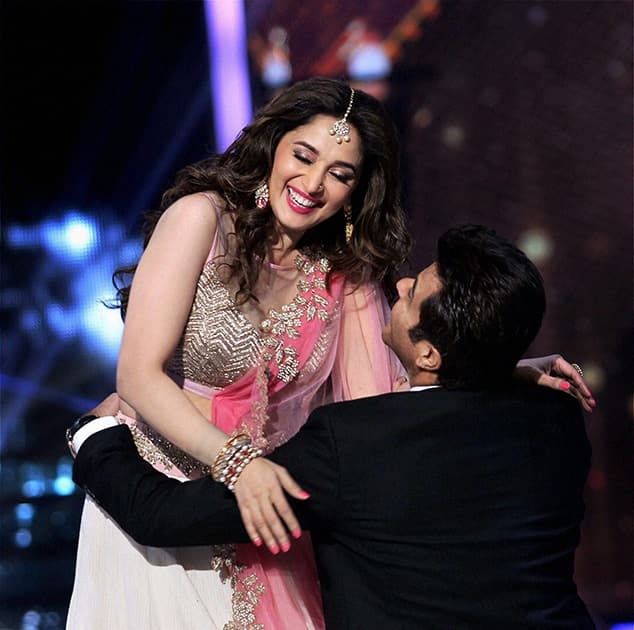 Bollywood actors Anil Kapoor and Madhuri Dixit during the grand finale of Jhalak Dikhhla Jaa Season 7 in Mumbai.