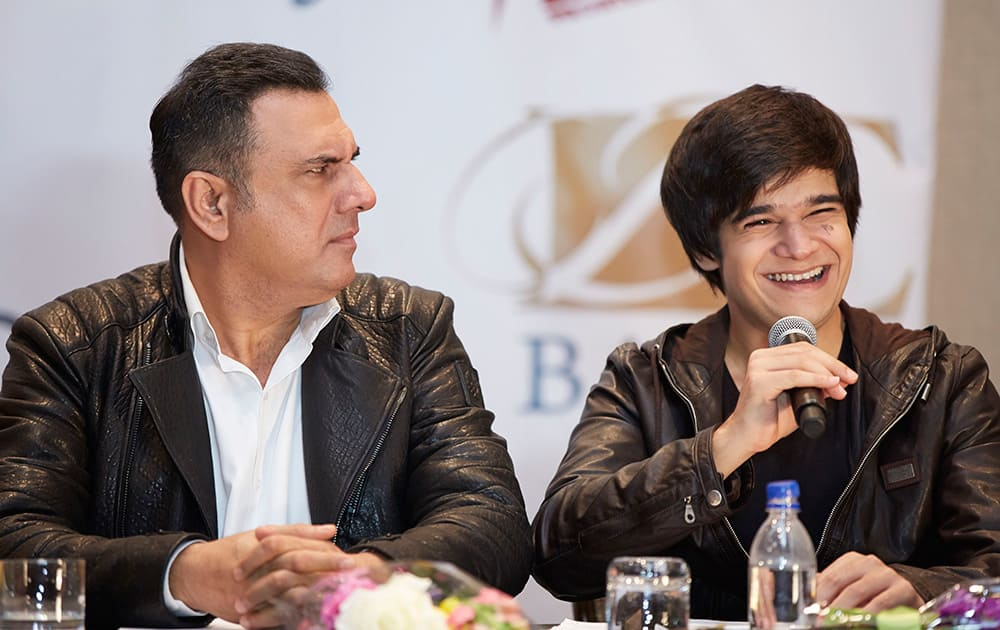 BOMAN IRANI AND VIVAAN SHAH AT THE PRESS CONFERENCE OF SLAM THE TOUR IN HOUSTON.