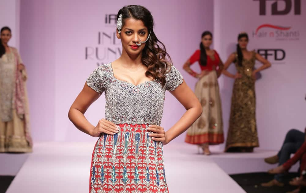 Mugdha Godse in Collection by Sandeep Singh & Pummy Bhatia.