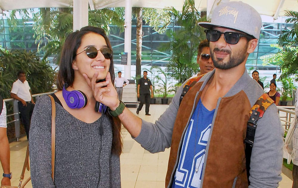 Bollywood actors Shahid Kapoor and Shraddha Kapoor at Mumbai Airport.