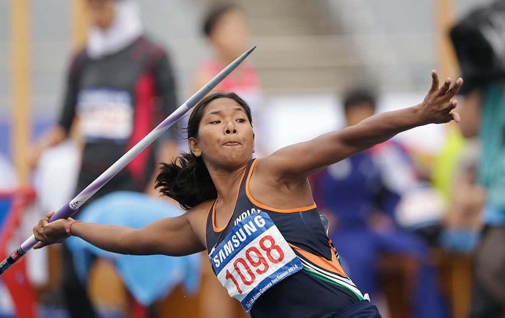 India's Swapna Barman competes in the javelin throw of the women's heptathlon at the 17th Asian Games in Incheon, South Korea.