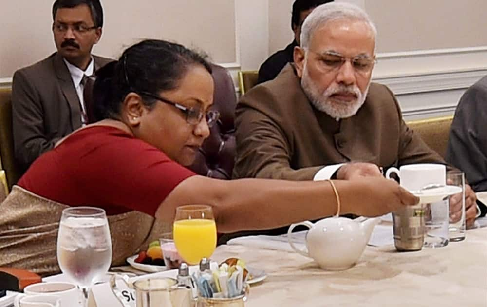 Prime Minister Narendra Modi and Foreign Secretary Sujatha Singh during a breakfast meeting with CEOs in New York, US.