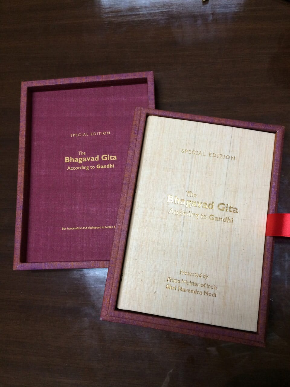 Modi gifts Gandhi's Gita to Obama