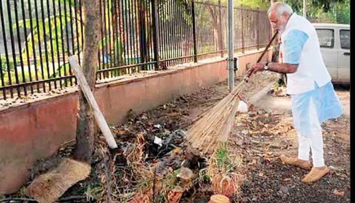 PM Modi launches 'Swachh Bharat Abhiyan', says it's patriotism not politics