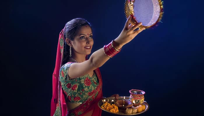 Mix trend with tradition! This Karwa Chauth