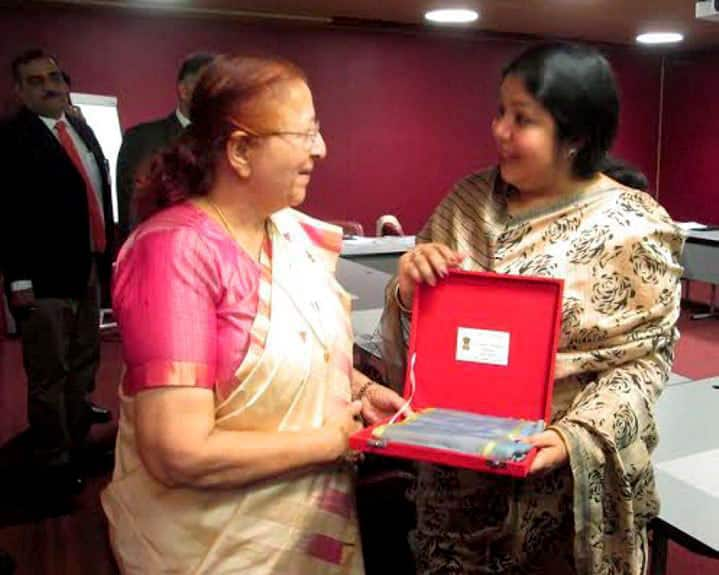 Lok Sabha Speaker Sumitra Mahajan presenting a memento to Bangladesh Speaker Shirin Sharmin Chaudhury during a meeting on the sidelines of the 131st Assembly of the Inter-Parliamentary Union (IPU), Geneva.