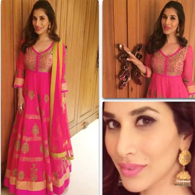 sophie choudry - Happy #Diwali everyone! #fun #festival #india #desigirl #style #fashion -instagram