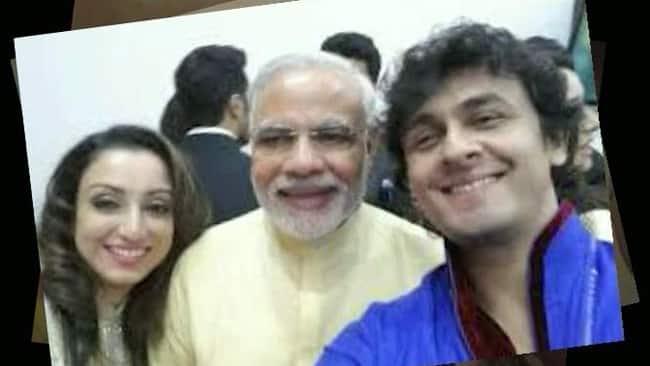 (From left) Madhurima, PM Narendra Modi and Sonu Nigam. -twitter