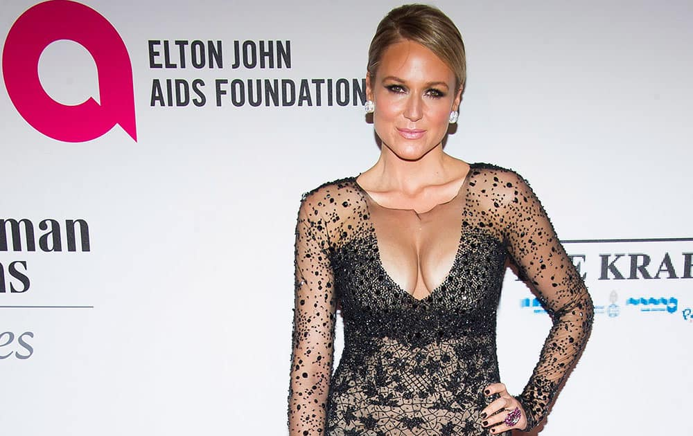 Jewel attends the Elton John AIDS Foundation's 13th Annual `An Enduring Vision` benefit at Cipriani's Wall Street  in New York.