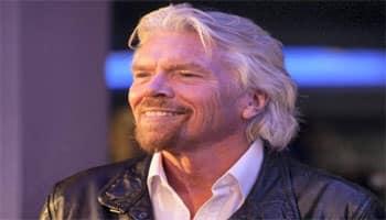 Branson to meet Virgin Galactic space team after crash