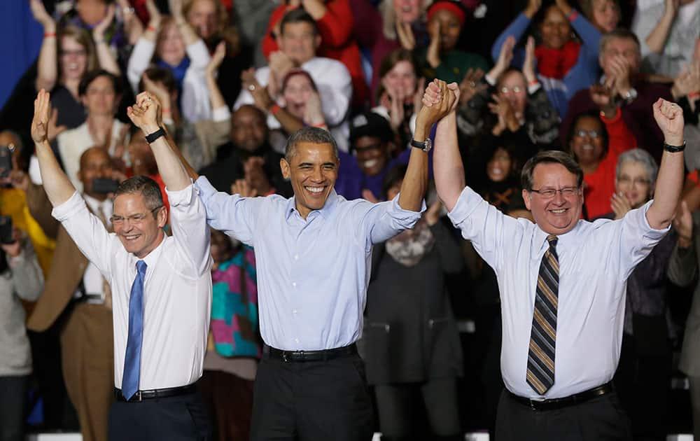 President Barack Obama addresses supporters at Wayne State University in Detroit.