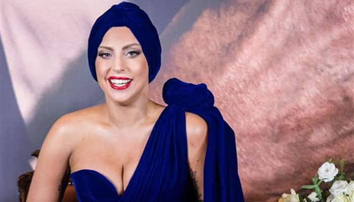 Once again, Lady Gaga attracts attention with wacky outfit