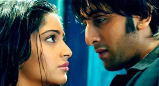Ranbir Kapoor made his début with `Saawariya` and did he turn heads? Plenty and how! His towel dance `Jab Se Tere Naina` became an instant hit with the women. Though the movie did not do well, both Ranbir and Sonam Kapoor were well recieved.  The movie earned him the Filmfare Best Male Debut in 2007.