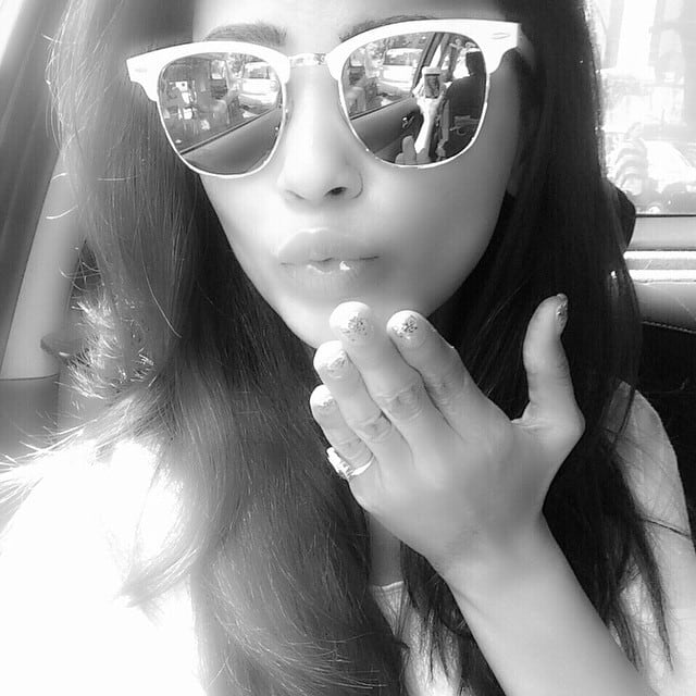 Daisy Shah -: Here's a kiss for every1!!!Yes I love U... All of U ❤ -instagram