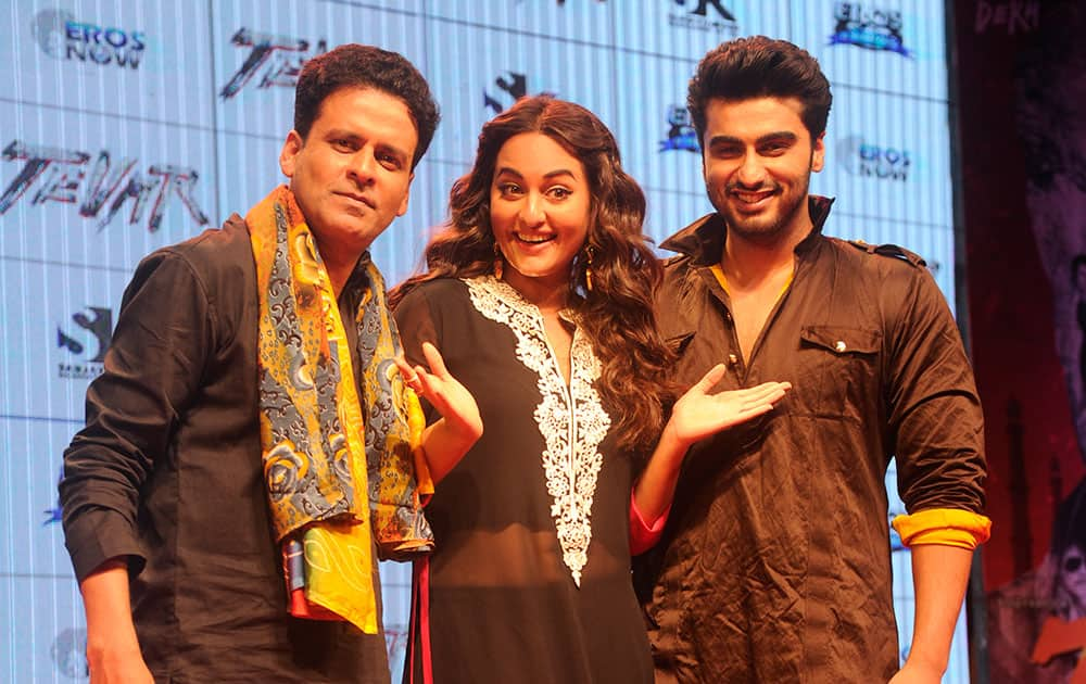 Arjun Kapoor (R), Sonakshi Sinha and Manoj Bajpai at the trailer launch of their soon-to-be-released film Tevar in Mumbai. -DNA