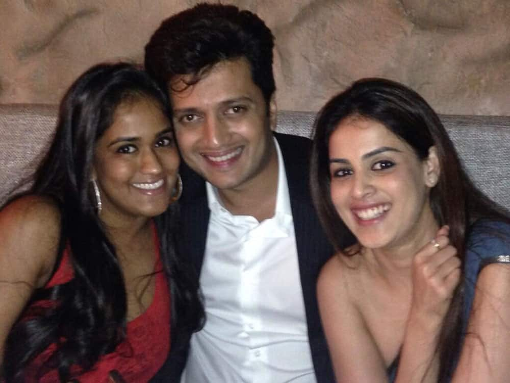 Arpita S Khan - @Riteishd @geneliad a perfect couple!  -pic courtesy -twitter