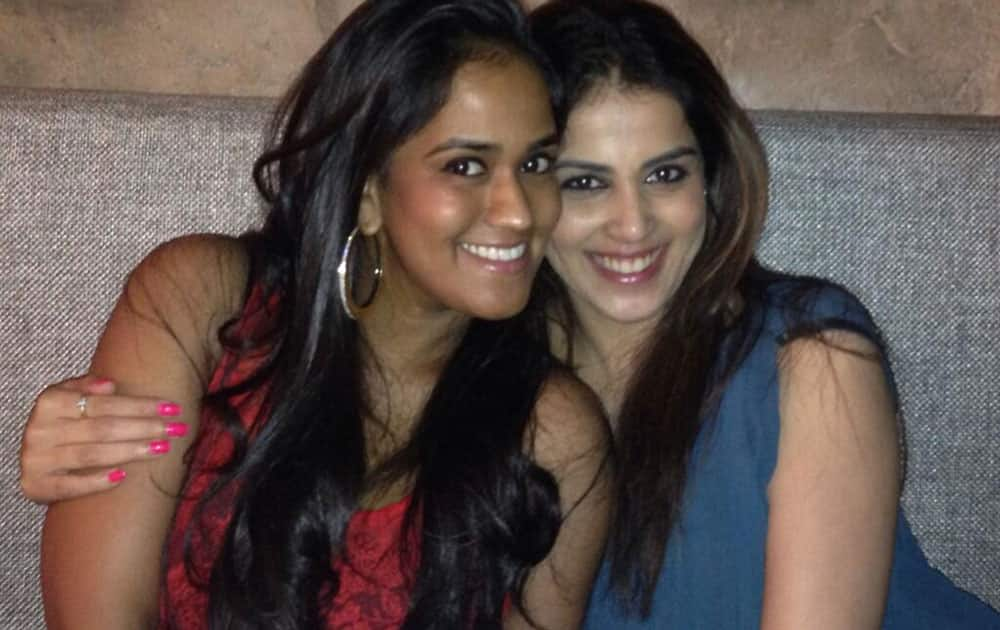 Arpita S Khan - @geneliad a complete sweetheart, it's always lovely to meet her!  -pic courtesy -twitter