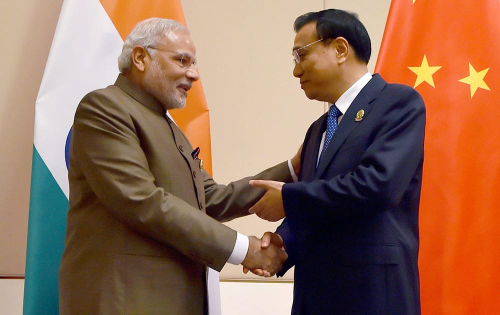 Prime Minister Narendra Modi with Chinese Premier Li Keqiang during a meeting at Nay Pyi Taw in Myanmar.
