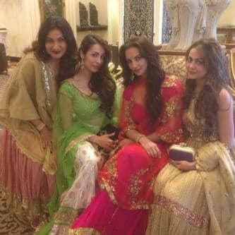 @amuarora  -#day 2..Lovvelyy ladies all dressed in @seemakkhan!Feeling all princess'y!  -TWITTER