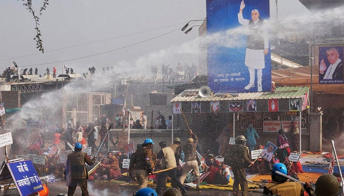 Violent clashes at Rampal's ashram leave over 200 injured