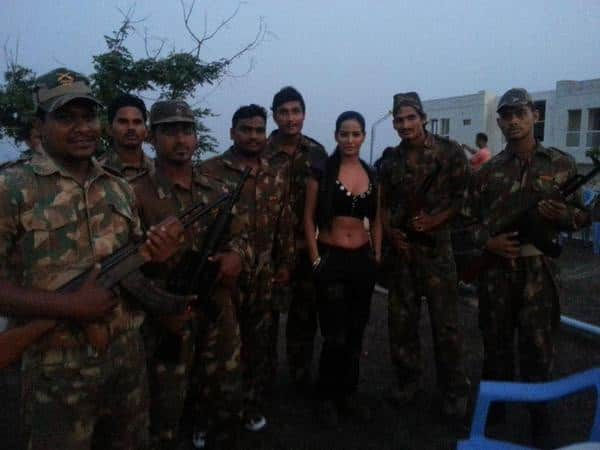 Poonam Pandey :-Always wanted to Join Army... Atleast i got an opportunity... on sets #Vishakhapatnam #Vizag Shooting loads of Action -twitter