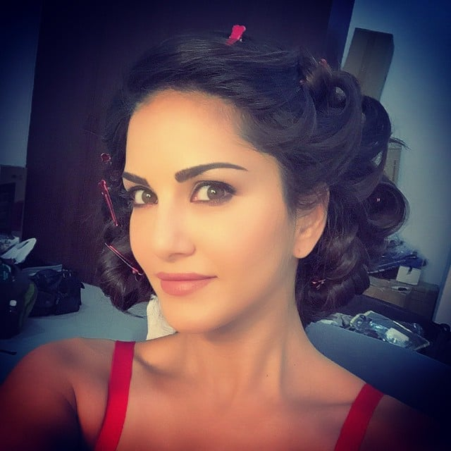 sunny leone - All pinned up and now I wait till it's my shot :) -instagram