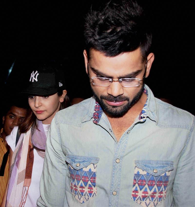 Anushka Sharma and Virat Kohli are spotted together at Mumbai Airport.