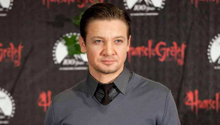 Jeremy Renner becomes proud father to daughter