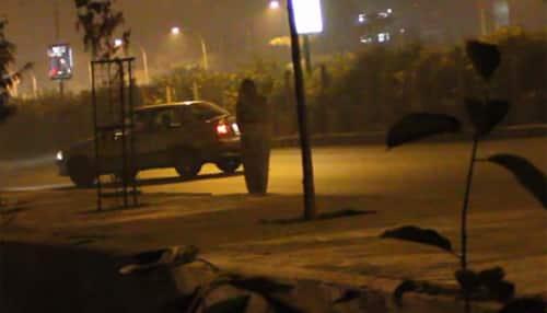 Viral video: Ghost in white saree terrifies people on Delhi roads