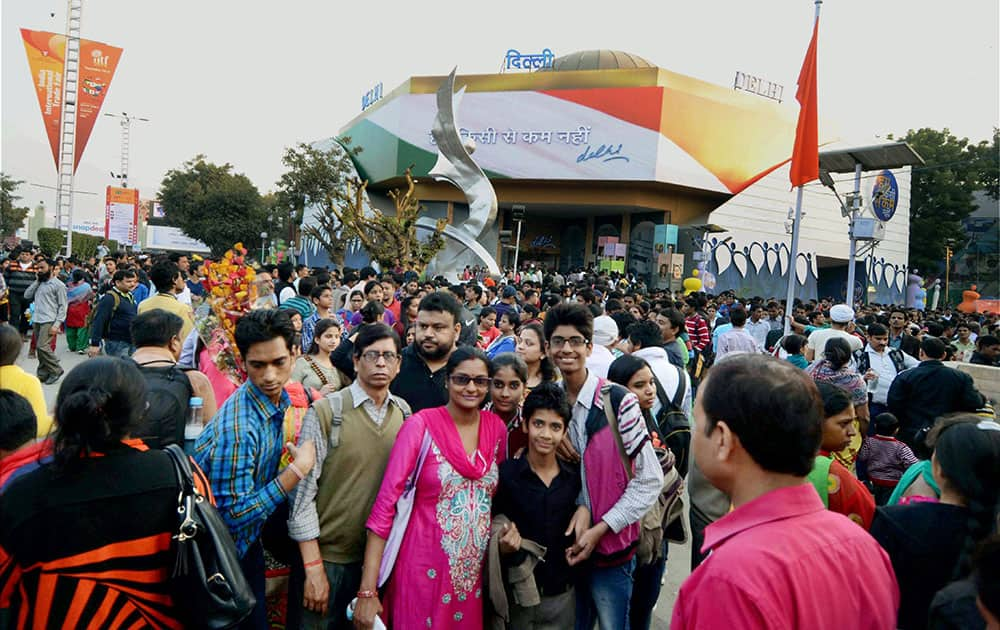 Visitors throng to the India International Trade Fair (ITTF) 2014 at Pragati Maidan in New Delhi.