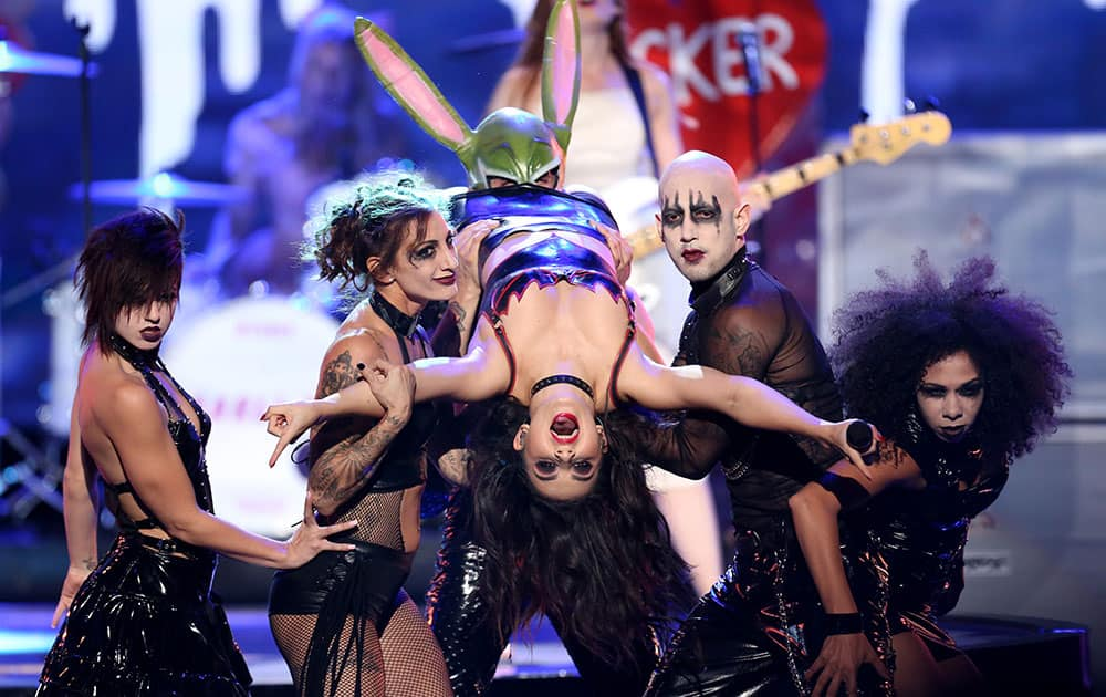 Charli XCX performs on stage at the 42nd annual American Music Awards at Nokia Theatre L.A.
