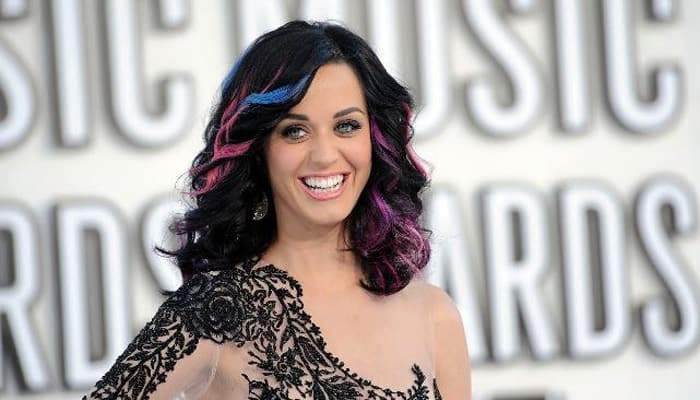 Katy Perry slams 'intrusive' Oz media in furious rant on Twitter