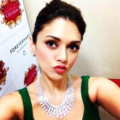 Aditi Rao Hydari ‏:-A Precious pout for some SUPER PRECIOUS @ForevermarkIN diamonds... #ShiningShining - Twitter